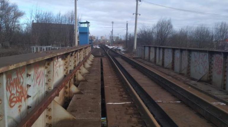 Земельные спекулянты присматриваются к железнодорожным полукольцам Петербурга