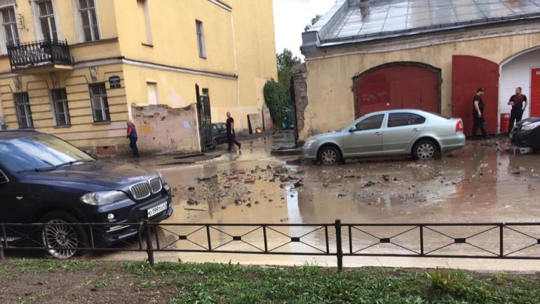 В Петербурге прорвало 8 тысяч труб за год