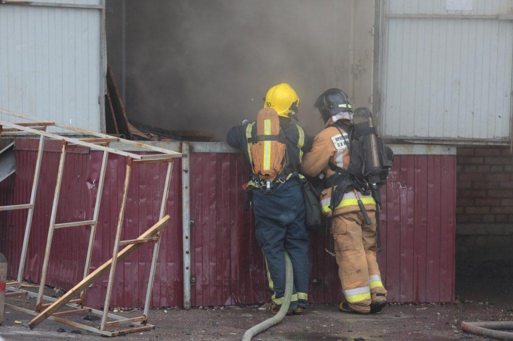 «Мойка78» публикует фоторепортаж с места пожара на Пулковском