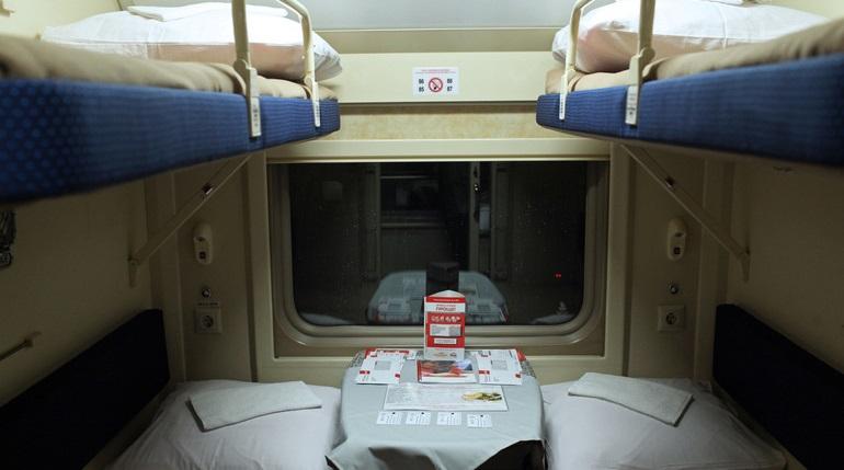 В РЖД объяснили пассажирам, кто на самом деле должен убирать постельное белье