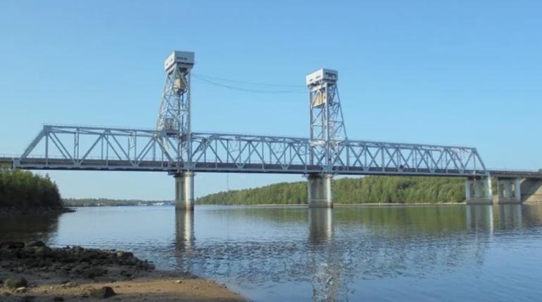 Трассу «Кола» перекроют из-за разводки моста через Свирь