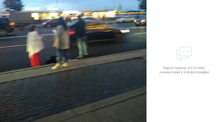 Пешеход попал под машину рядом с Эрмитажем
