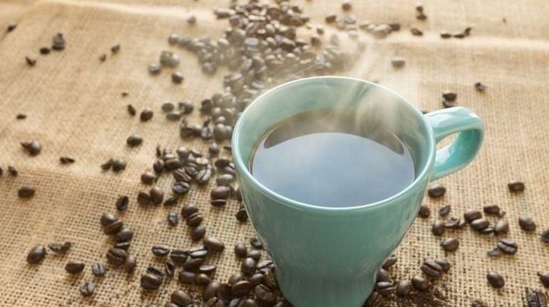 Ученые рассказали, сколько чашек кофе опасны для здоровья