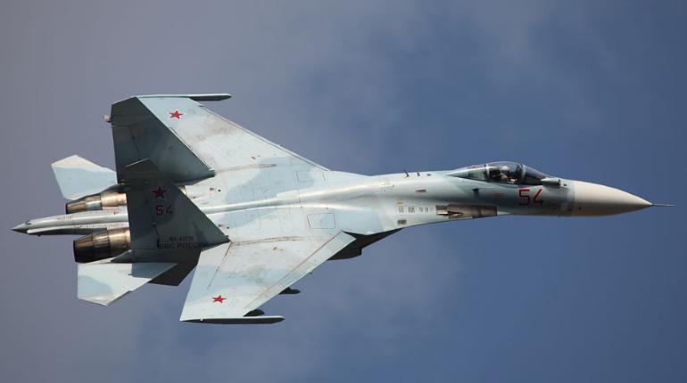 В НАТО посчитали «небезопасным» маневр Су-27 из сопровождения Шойгу