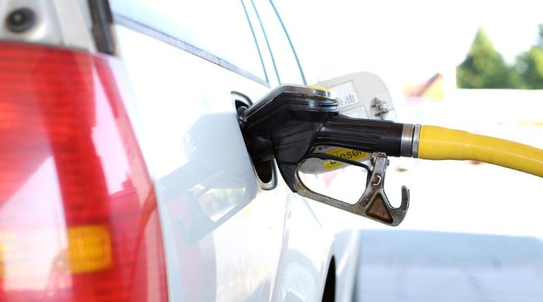 Последствия «нефтяного шока» могут коснуться цен на бензин и дизель