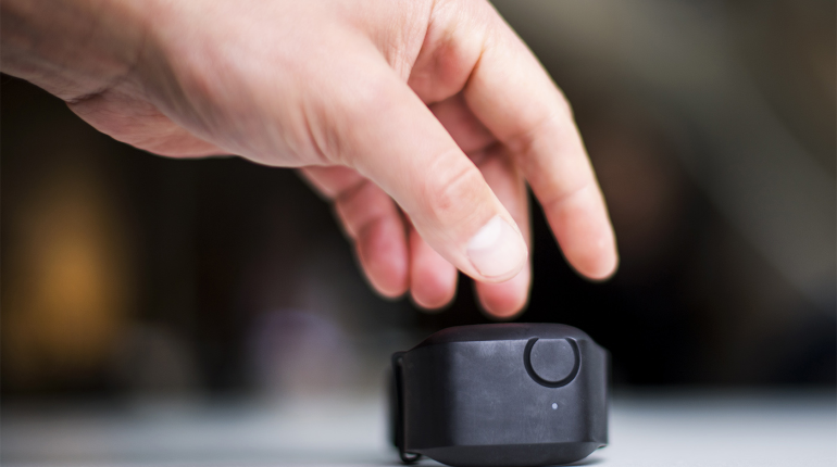 Разработан «умный» браслет, предсказывающий вспышки агрессии при аутизме