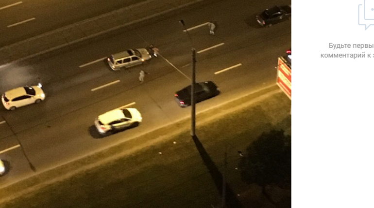«Не двигается уже 5 минут»: пешеход перебегал улицу Типанова и попал под машину