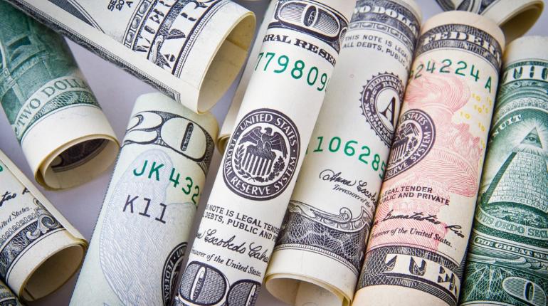 Доллар пошел в рост вслед за евро