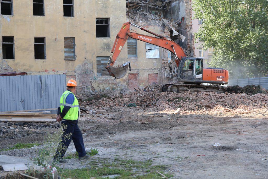 «Мойка78» публикует фоторепортаж с места сноса дома Крутикова