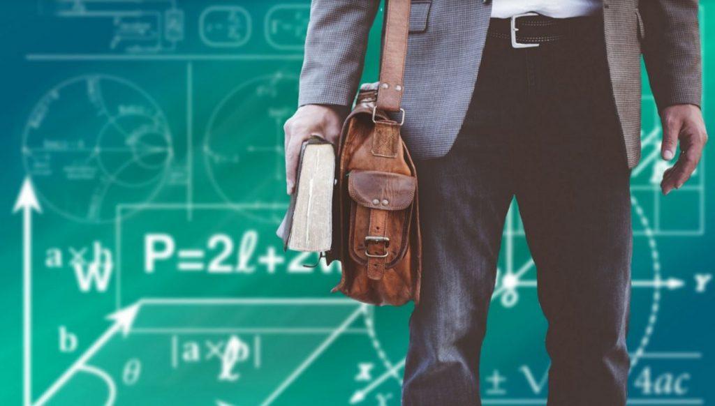 Дистанционное образование резко повысило спрос на услуги репетиторов даже на каникулах