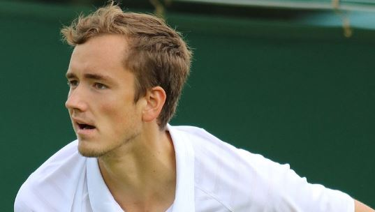 Теннисист Медведев повздорил со зрителями на US Open