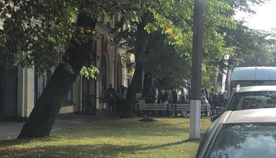На выставку картин Айвазовского из частной коллекции выстроилась огромная очередь