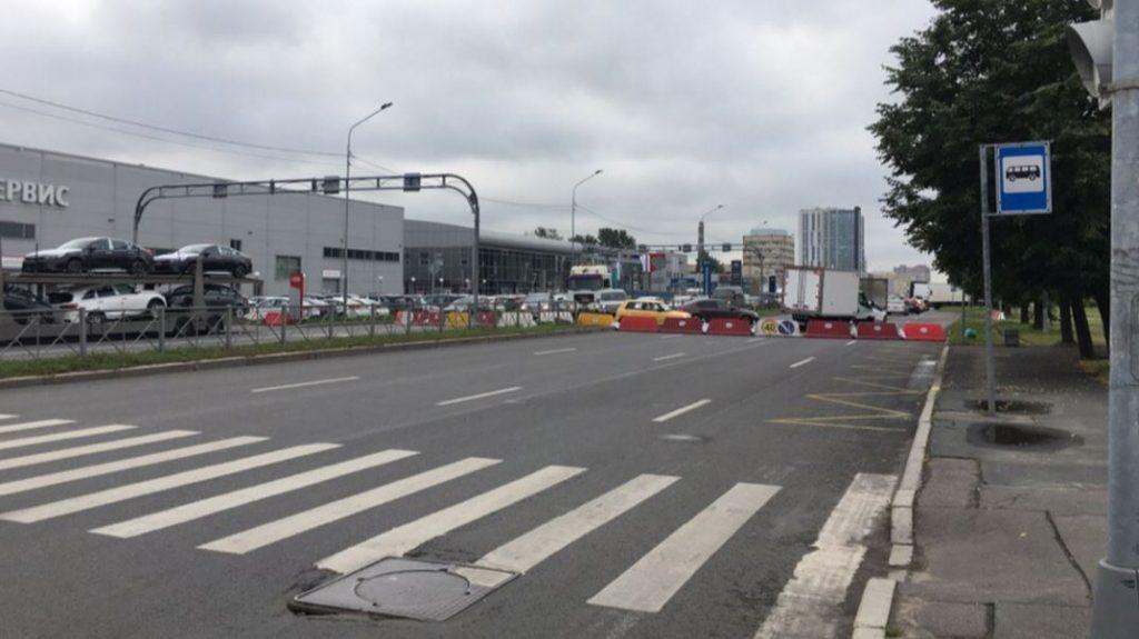 Петербургские водители открыли «новую дорогу» из-за ремонта на Софийской