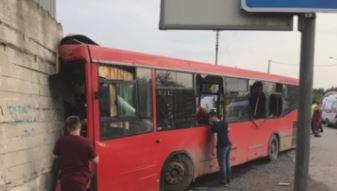 Восемь человек находятся в тяжелом состоянии после ДТП в Перми