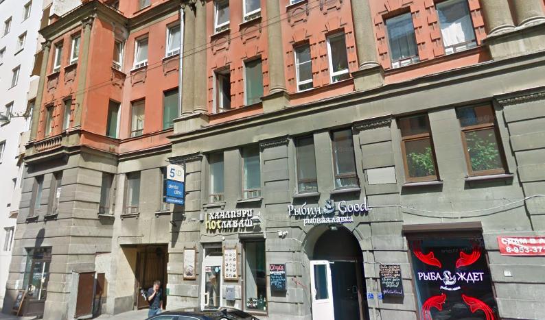Жители Петроградки недовольны намерением сделать из Большой Зелениной «ресторанную» улицу