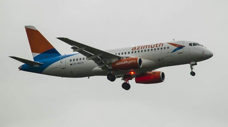 Пассажиры вернувшегося в Ростов самолета летят в Пулково резервным бортом