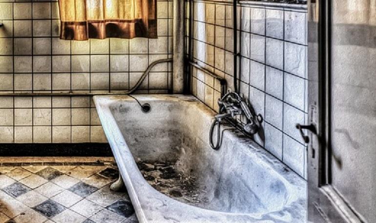 Петербуржцам предлагают переждать коронавирус, сидя в «антибактериальной» ванне