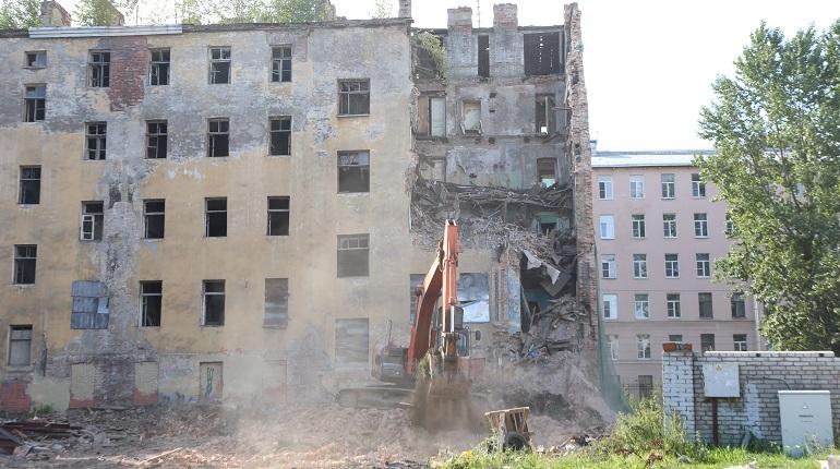 Жилищный комитет рассказал, зачем снес часть дома Крутикова