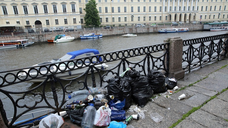 За лето с улиц Петербурга вывезли более 30 тыс. тонн грязи
