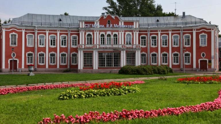 К 10 августа семь стационаров Петербурга начнут принимать плановых пациентов