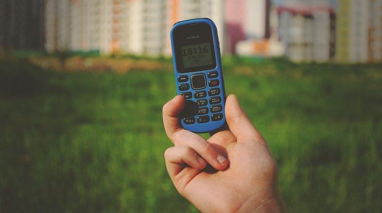 Кнопочные телефоны в РФ оказались популярнее планшетов