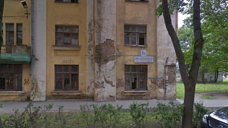 Детей с петардами из дома на Ново-Александровской отвезли в полицию