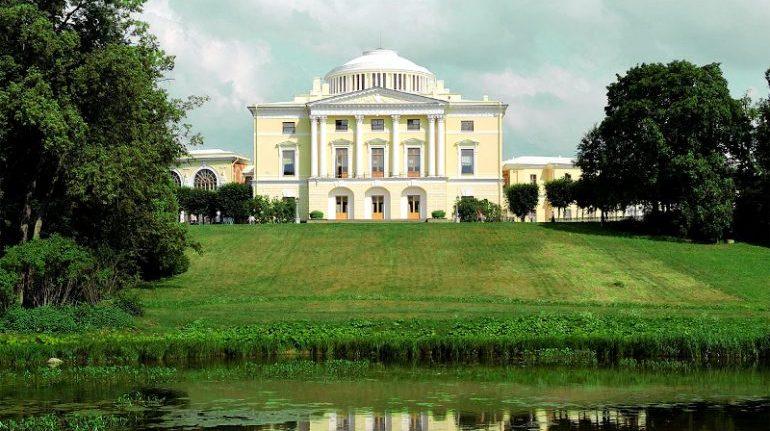 УФАС не позволило выселить ресторан из Павловского дворца
