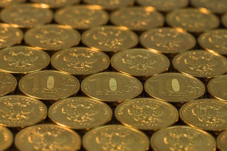 Названы положительные и отрицательные стороны ослабления рубля для России