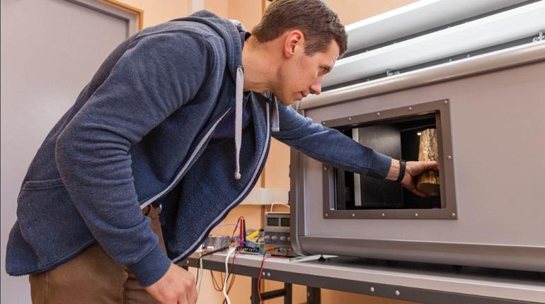 Ученые «ЛЭТИ» создали портативный мини-томограф для изучения предметов