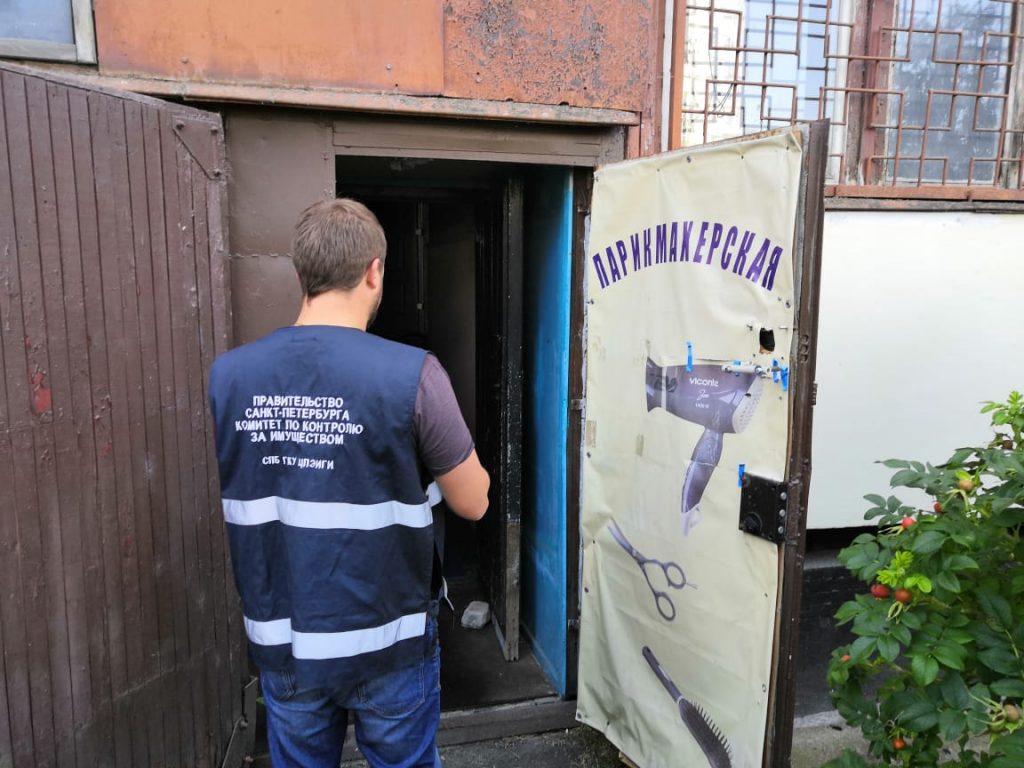 ККИ выселил незаконных захватчиков нежилых площадей в двух районах
