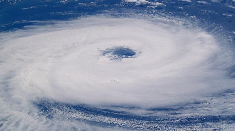 В Атлантическом океане сформировался тропический шторм