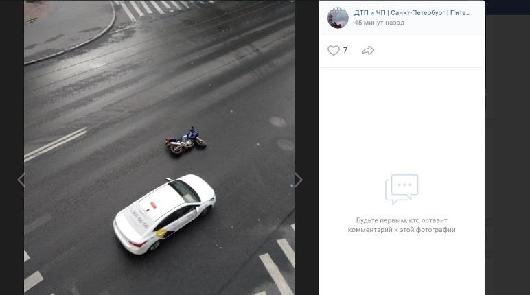 BMW и мотоцикл попали в ДТП на Петроградке