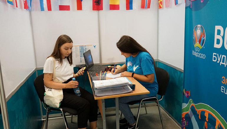 Кандидаты заспамили волонтерский центр Евро-2020 в Петербурге заявками