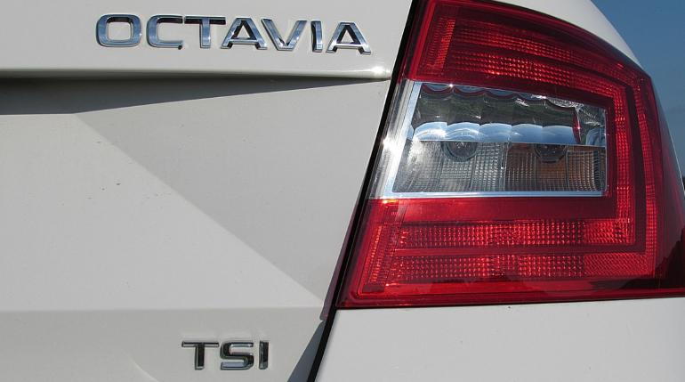 В Сети появились фото новой Skoda Octavia