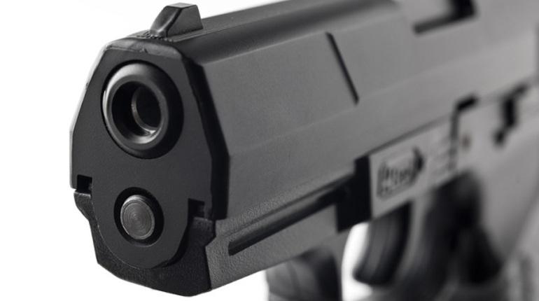 Петербургский школьник нашел пистолет на пустыре и привлек внимание полиции