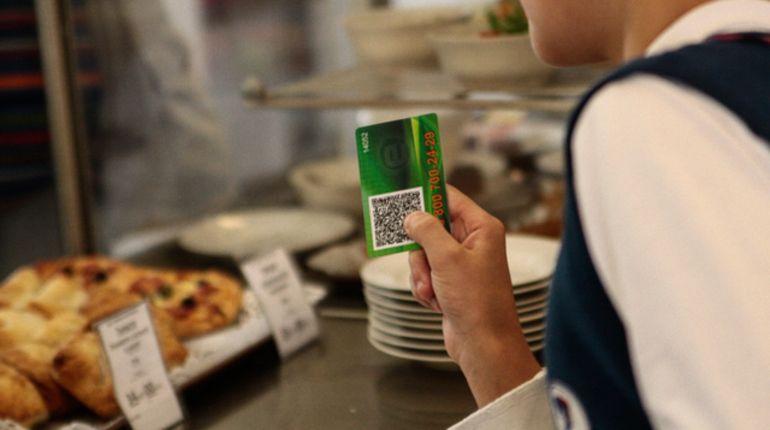 В 2020 году школьные обеды в Петербурге подорожают на 6 рублей