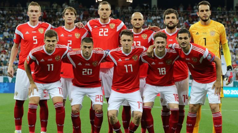 Adidas выкрутился после создания формы для сборной России с флагом Сербии