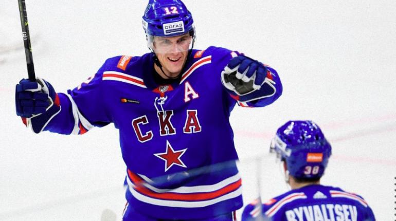Город контрастов Петербург: между хоккеем и волейболом