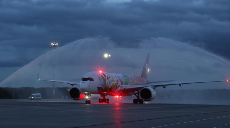 В Пулково прилетел один из крупнейших в мире самолетов