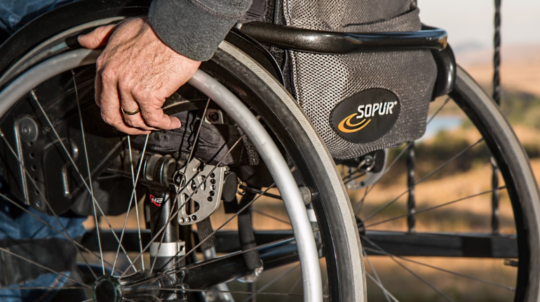 Прокуратура усмотрела нарушение закона в области занятости инвалидов в логистической компании