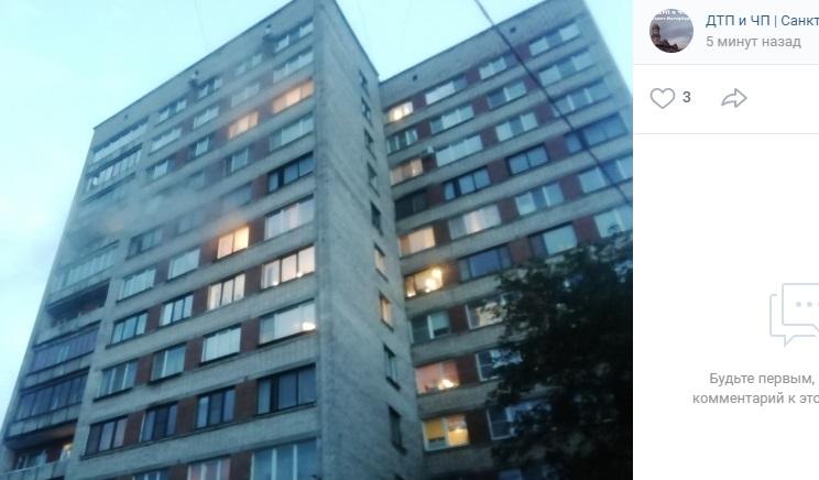 Из горящего дома на Большой Пороховской эвакуировали 10 человек