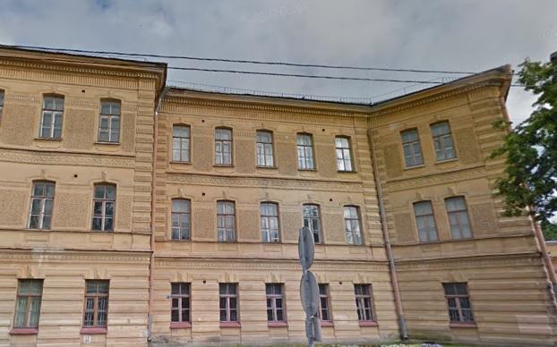 Из-за хрупких фасадов прокуратура оштрафовала жилкомсервис в Кронштадте