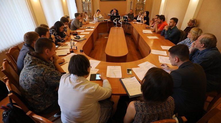 В МО «Смольнинское» и «Владимирский округ» официально победили оппозиционеры