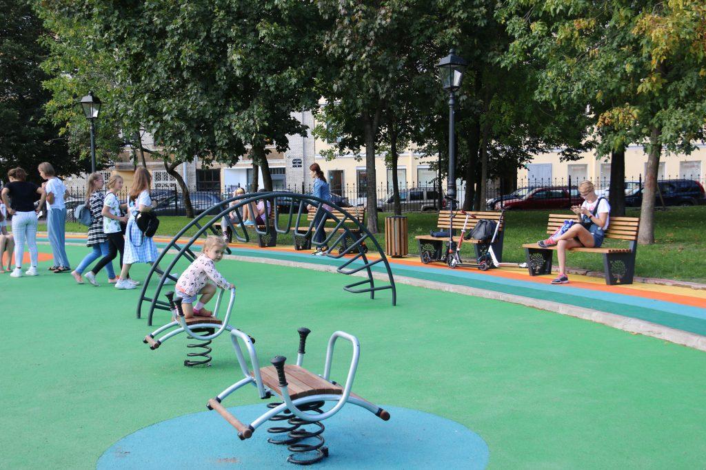 В Смольном назвали шесть лучших садов и скверов Петербурга