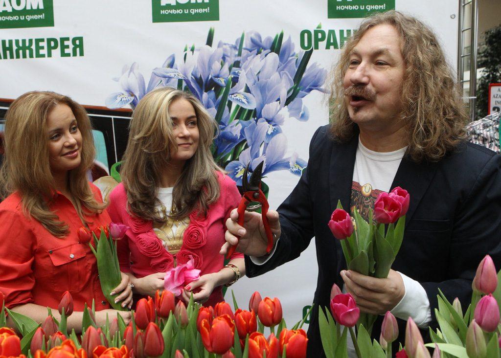 Игорь Николаев сдал тест на коронавирус в больнице