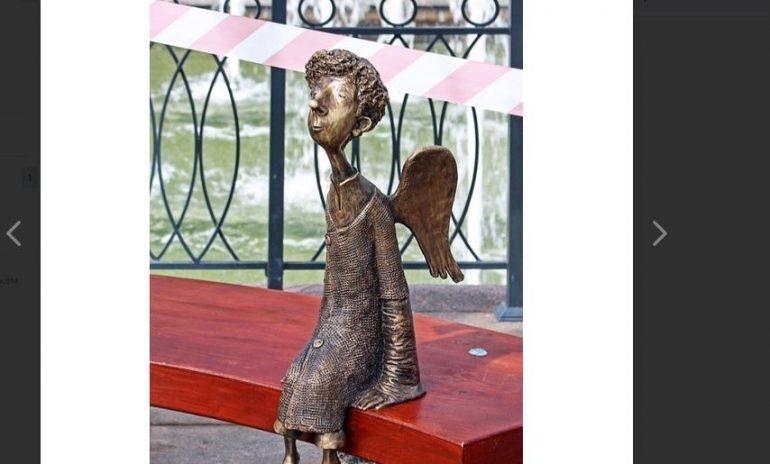 Любашинский ангел возвращается в беседку фонтана
