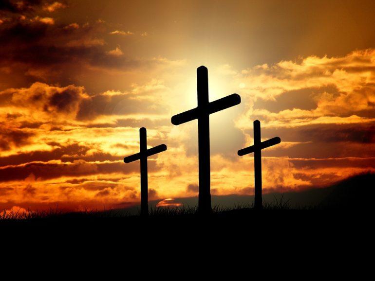 В Петербурге возбудили дело в отношении похитителей крестов с лютеранского кладбища