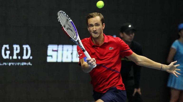 Медведев сыграет с Рублевым в 1/4 финала US Open