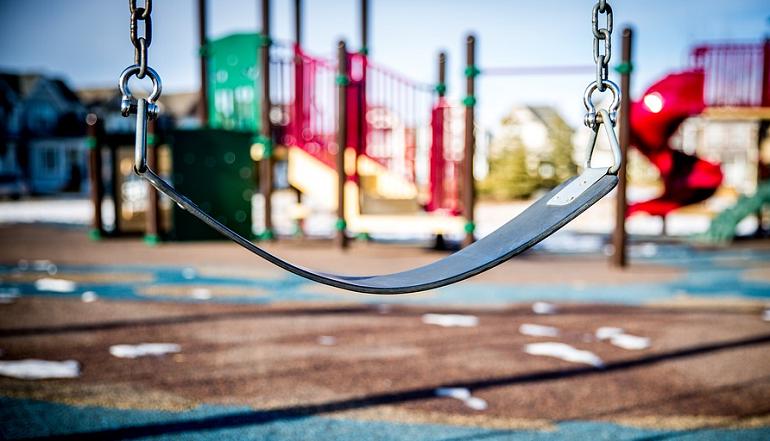 Детям в Петербурге стало опасно гулять во двора — ГИБДД озвучило статистику по ДТП