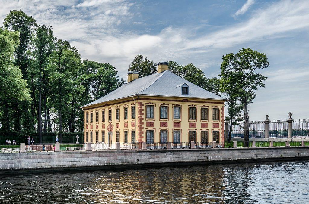 Туристы не смогут попасть в Летний дворец Петра I из-за холода